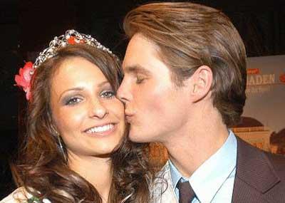 Silvia Hackl, 21-jährige Marketingassistentin aus Linz, ist die offiziell hübscheste Österreicherin. Sie wurde am 27.3.2004 im Festsaal des Casinos Baden ... - 1